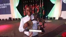 Utmärkelsen togs emot av Lawrence Muema, Better Globes ekonomichef.