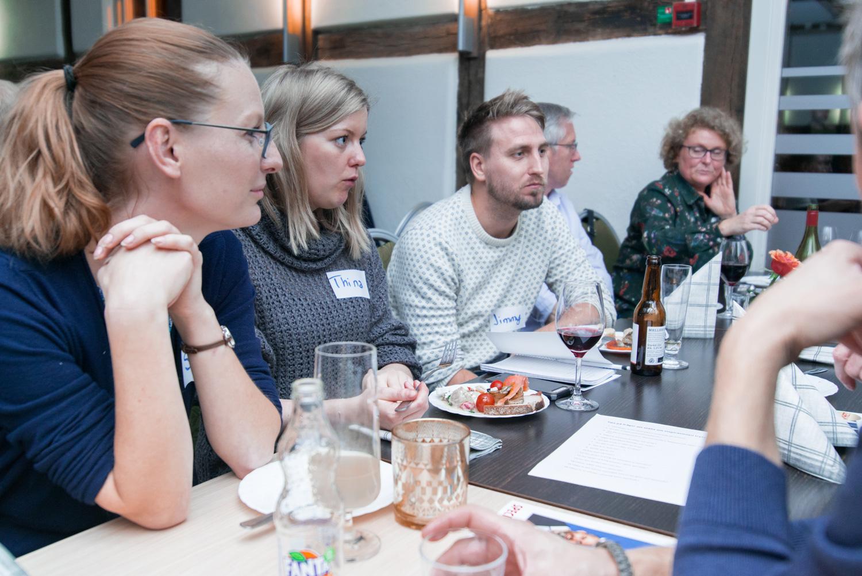 FikaTillsammans - mycket intressanta diskussioner vid borden