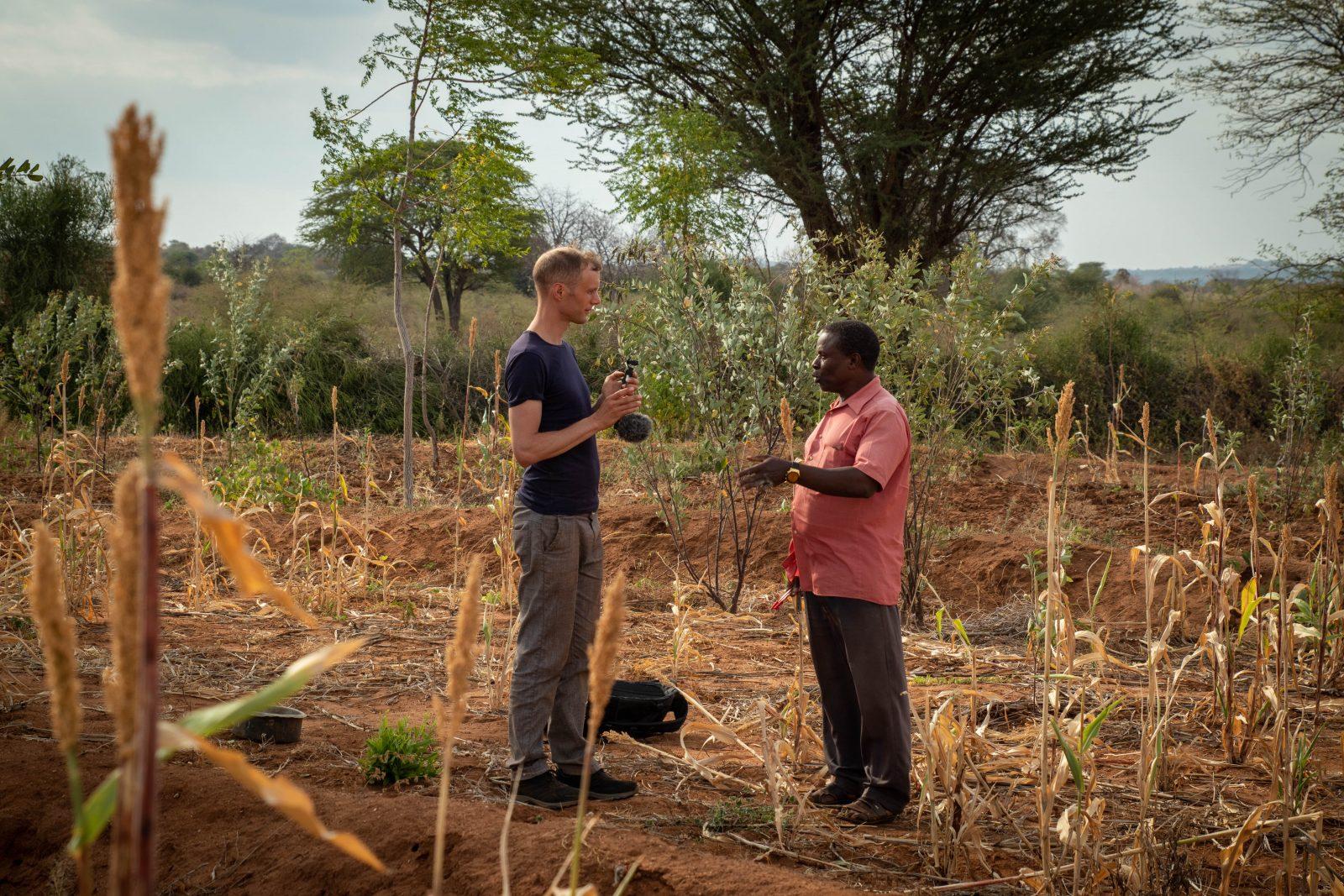 Min kollega Jonatan intervjuar partnerbonden Sospeter Musioki Mutisoki om samarbetet med Better Globe.